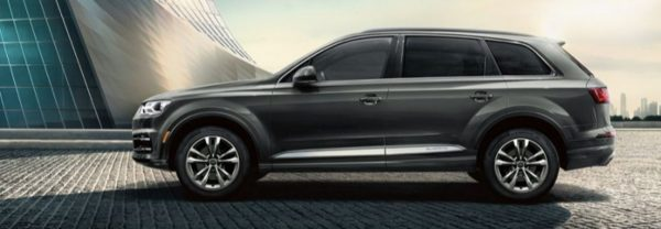 2019 audi q7 parked outside